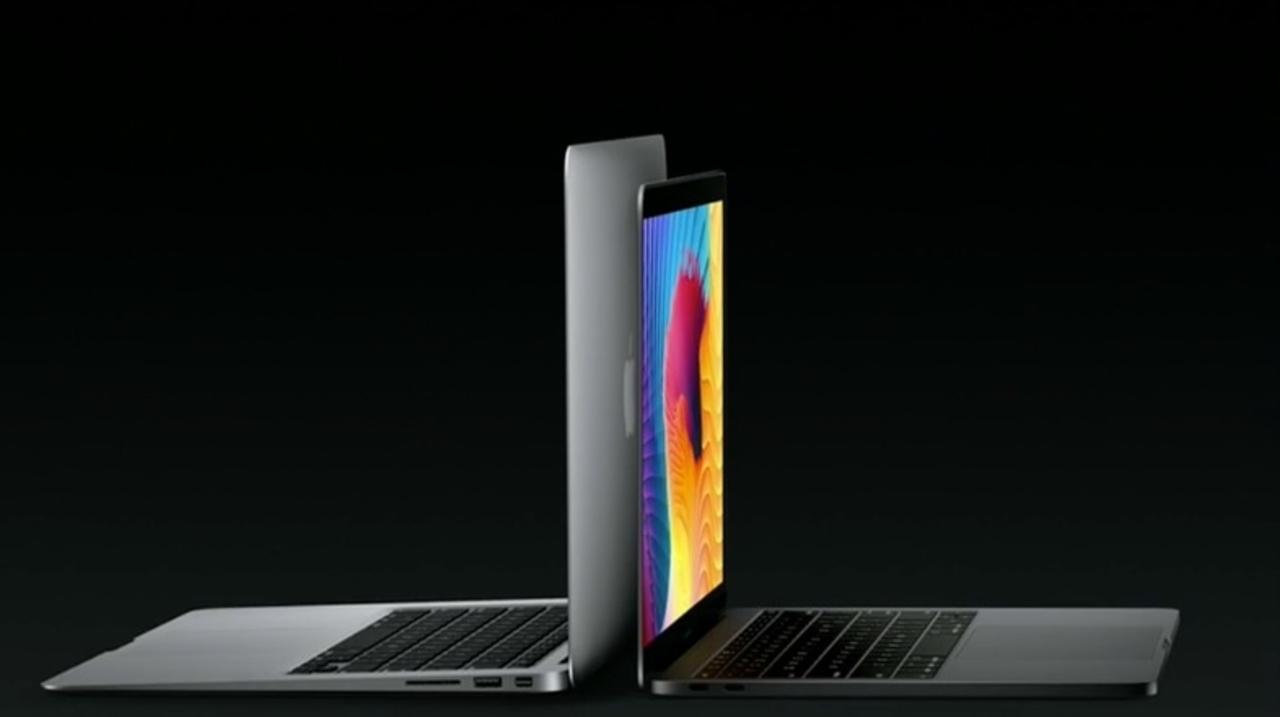 新旧MacBook Pro、薄さ・重さはこんなに違います
