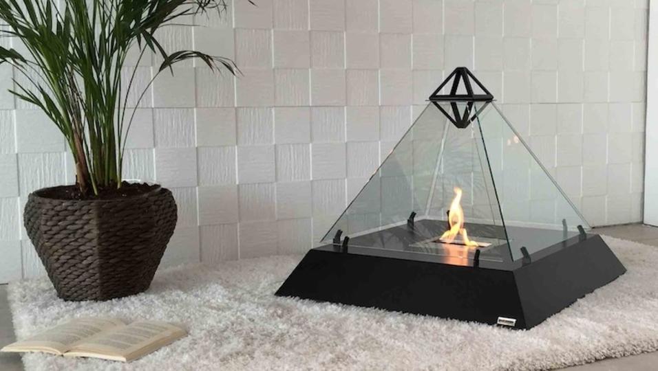 リビングで火を囲もう。新しい形の暖炉ルーヴル・ファイヤープレイス