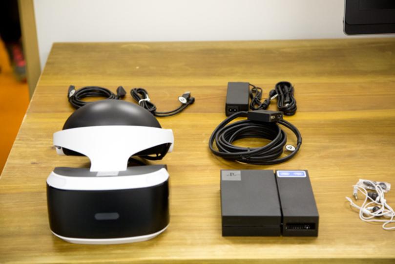 ついにそのベールを脱ぐ! PS VRをアンボックス&セッティングしてみた