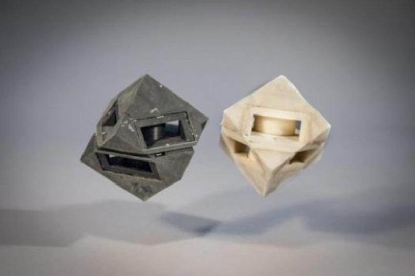 ボヨ〜ンもゴトッもOK。硬さと弾性の変わる3Dプリント技術「PVM」