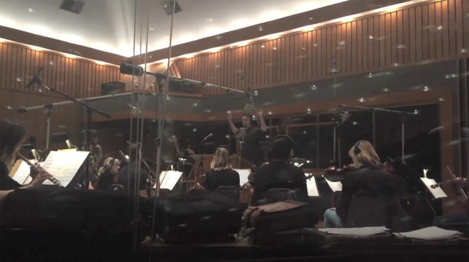 システム・オブ・ア・ダウンの「Chop Suey!」を40人編成のオーケストラで演奏