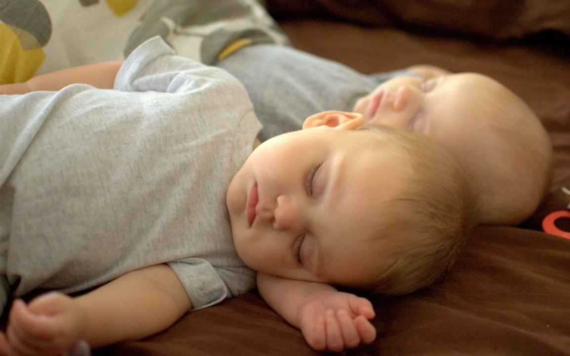不眠症に光明か。日本の研究チームが、睡眠や覚醒を司る「新しい遺伝子変異」を発見
