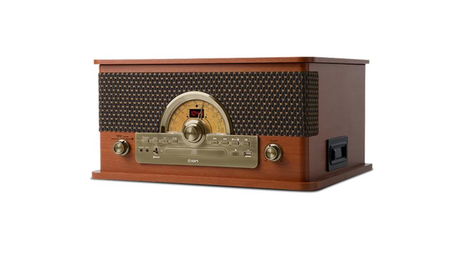 レコードもラジオもUSBも。レトロデザインなオールインワンプレーヤー「Superior LP」