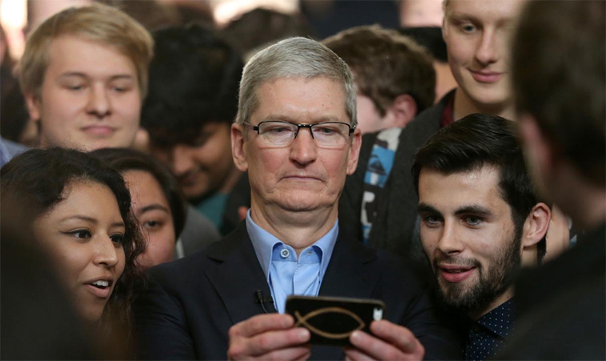 Appleのティム・クックCEO、大統領選が終わり「前に進もう」とメッセージ