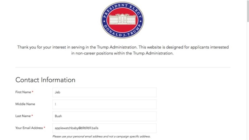 トランプ新政権4,000人の枠に応募5万件。一次選考で政権移行期が終わっちまいそうな勢い