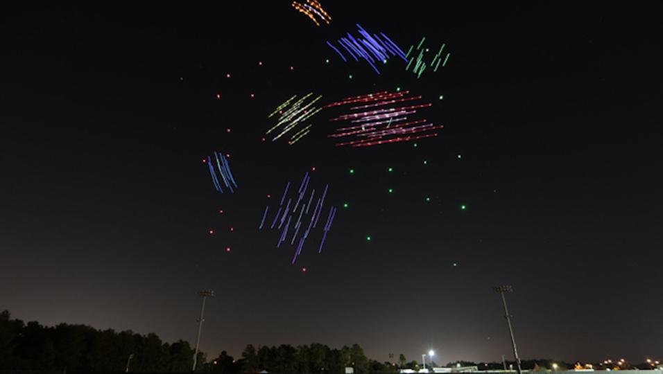 夜空のエレクトリカルパレード? ディズニーが計画中のドローンパレード