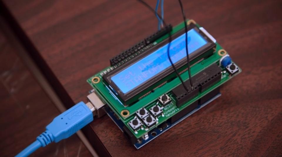 電力いらず。身近な液体を使った新たなコミュニケーション機器とは?