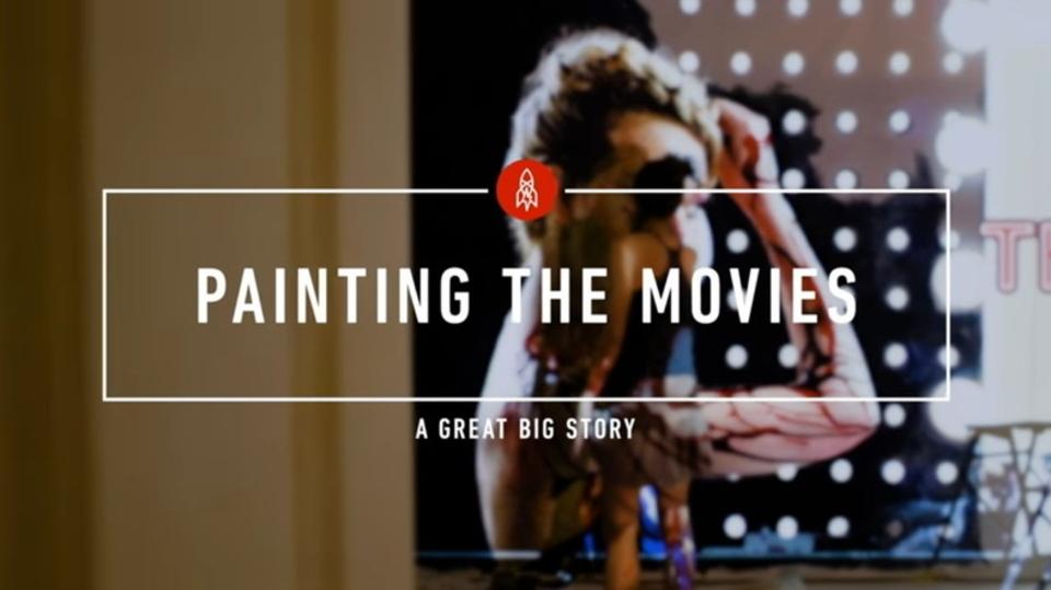 今の時代でも映画館の看板を手描きするギリシャの女性ペインター