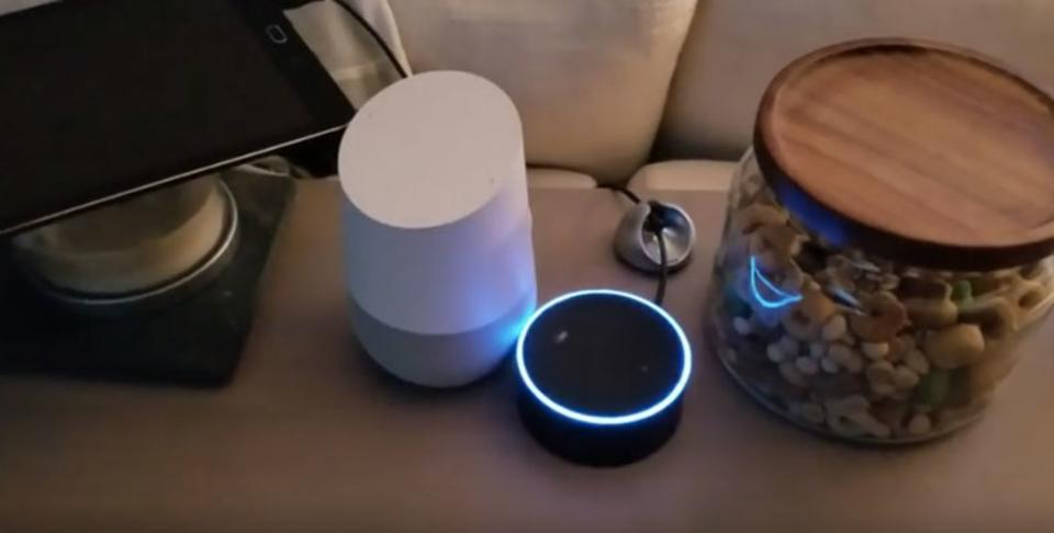 Amazon EchoとGoogle Homeの会話が無限ループに…