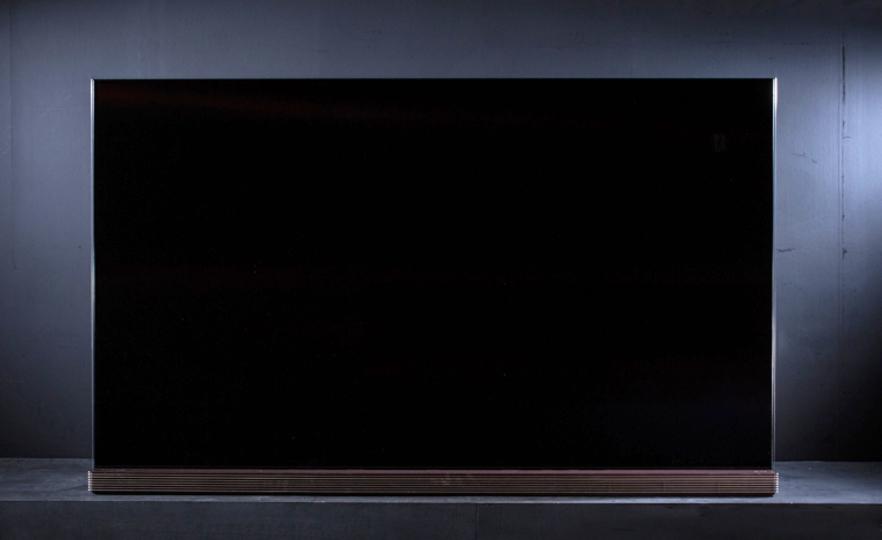 お値段なんと税込350万円のテレビ。どこがスゴいの? どんなにスゴいの?