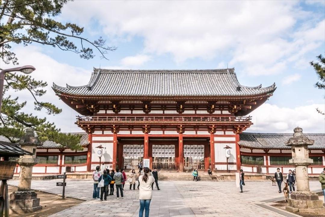 先進のクリーン技術で楽しむ1300年の歴史。東大寺で無給電ビーコンによる観光案内のテストが開始