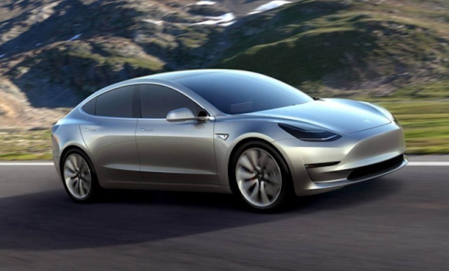 Teslaのお手頃な電気自動車「Model 3」 発売は2018年の終わり頃に延期か?