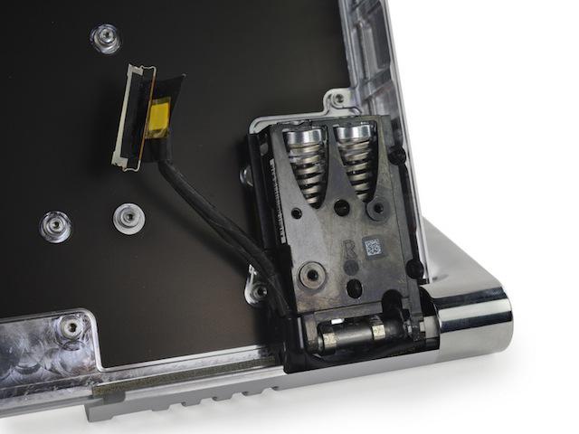 あのヒンジ、どうなってるの? 「Surface Studio」分解レポートが登場3