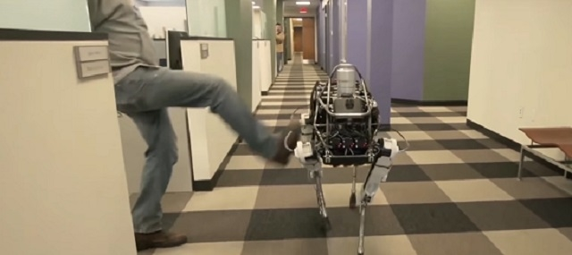 3 ロボットに「痛み」は必要か? ドキュメンタリーで研究者が投げかける問い