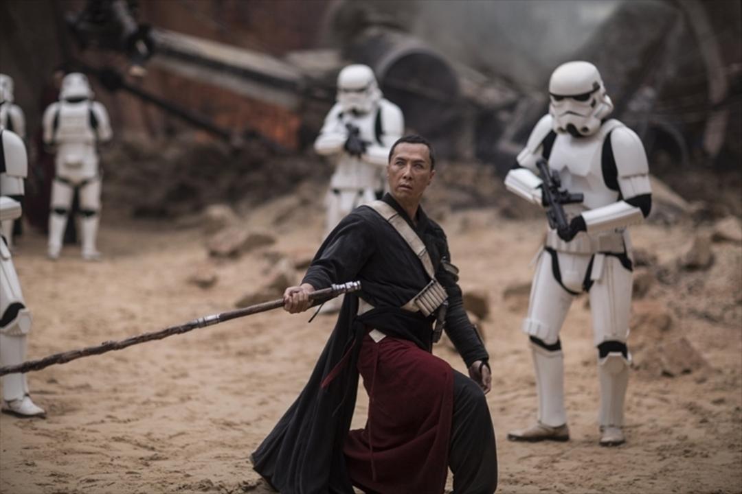 『ローグ・ワン/スター・ウォーズ・ストーリー』から「宇宙最強」の俳優ドニー・イェンの特別映像が解禁