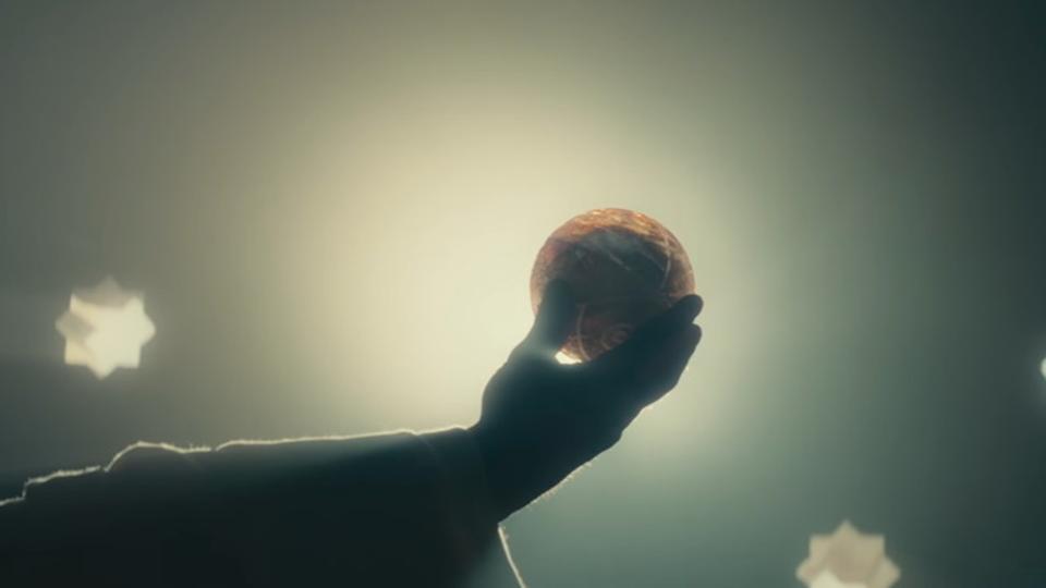 禁断の果実を探せ。映画『アサシン クリード』最終予告編&アクション映像が公開