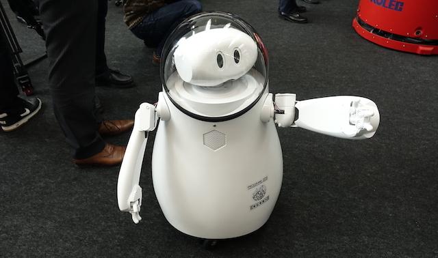 羽田空港ロボット実験プロジェクト 2016 CAIBA