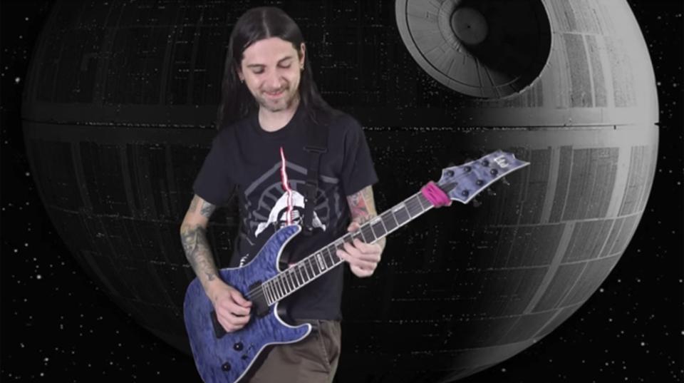 『スター・ウォーズ』の代表的BGM『フォースのテーマ』をヘヴィメタル・アレンジで演奏