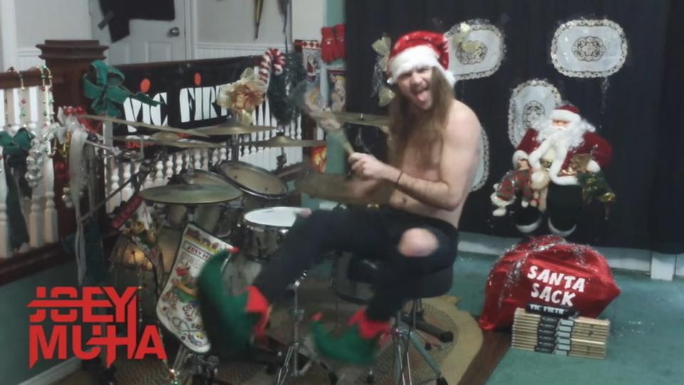 ヘヴィ・クリスマス! メタライズ・ドラムの達人が演奏する『ジングルベル』