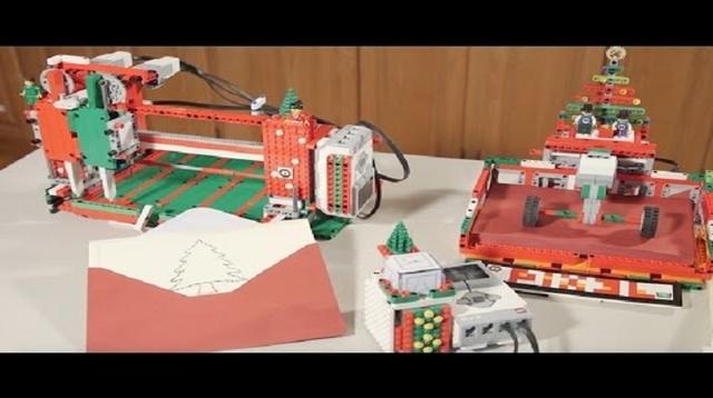 14歳と12歳の兄弟がレゴで作った、クリスマスカードお手伝いマシン