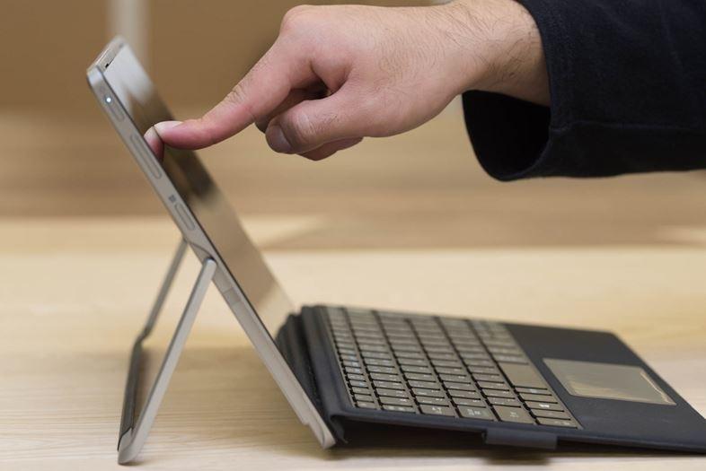 ハイスペックCPU&液冷システムを搭載。Acerの2in1タブレットは例えるならスポーツバイク10