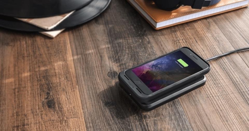 無線充電×バッテリー入り。Mophieの新iPhone 7/7 Plusケース登場