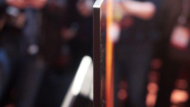ソニー新BRAVIA「XBR-A1E」は、画面がスピーカー。画面の振動で音を発生2