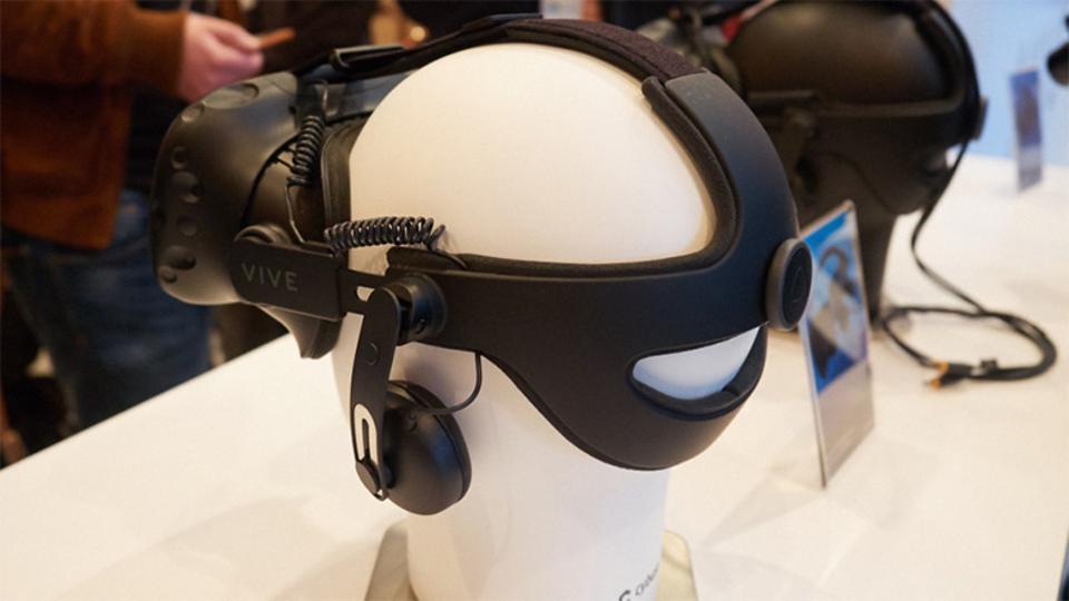 HTC Viveの新製品「Vive Tracker」はすべてのモノをVR上で再現可能にする
