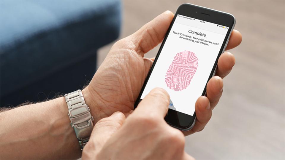 Apple、iPhone 8にて「指紋と顔」の2段階認証を模索中?