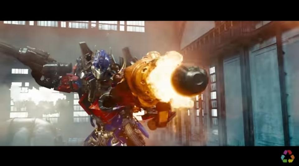 100%重厚感保証。映画『トランスフォーマー』の変形や爆発の効果音だけでEDMを制作