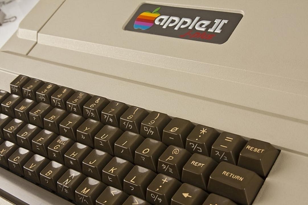 Apple 2にAtari 800。懐かしいコンピュータが勢揃いのコマーシャル集