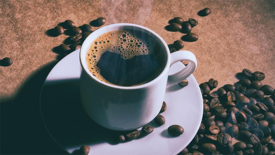 実験で間違えて致死量のカフェインが被験者に与えられる