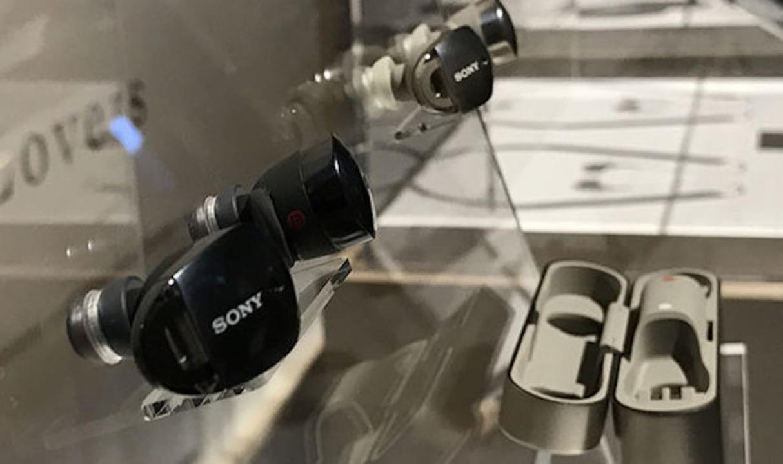 ソニーが左右分離型の純正ワイヤレスイヤホンをCES 2017でチラ見せ