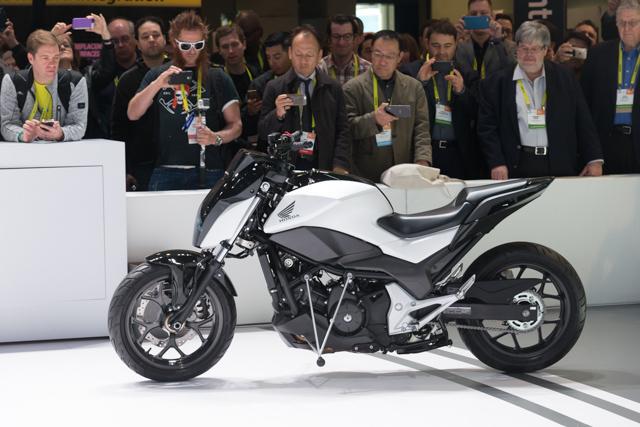 Hondaの倒れない二輪車はまさに革命。その詳細技術に迫る #CES2017 6