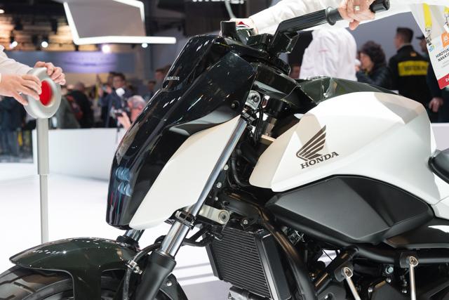 Hondaの倒れない二輪車はまさに革命。その詳細技術に迫る #CES2017 5