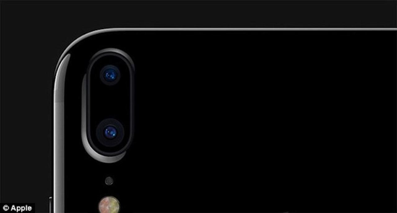 2017年、iPhoneに「縦2連カメラ」が登場する?