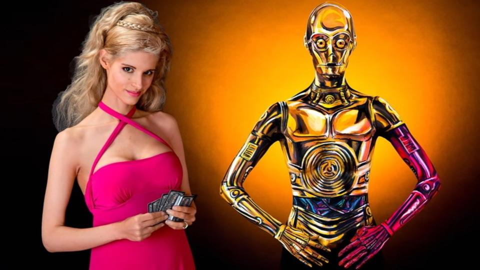 ボディー・ペインティングでC-3POに完全変身する美女