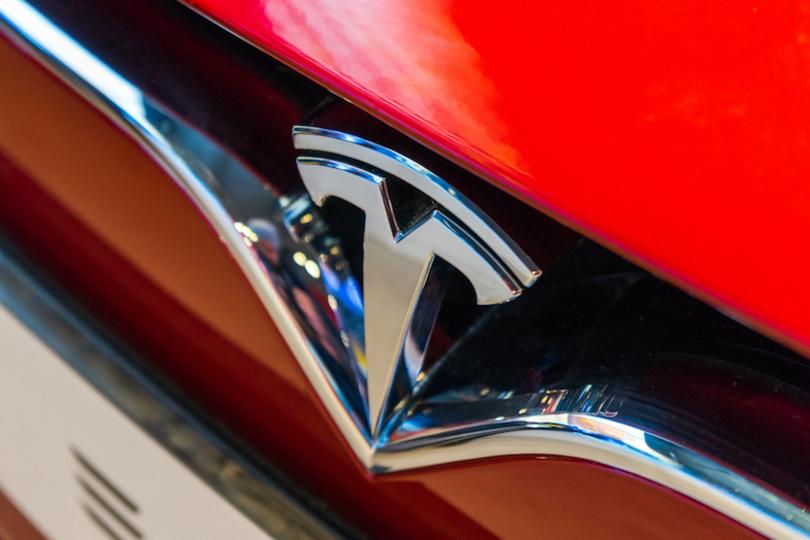 自動運転・クリーンエネルギーも開発するテスラモーターズ、社名が「テスラ」になる