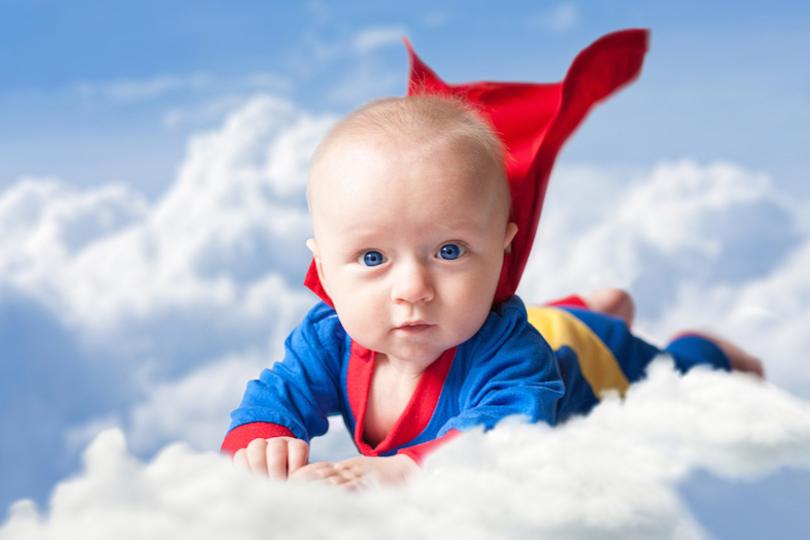 ヒトには生まれつき正義感が備わっている可能性…生後6か月の赤ちゃんに見られた「ヒーロー好き」