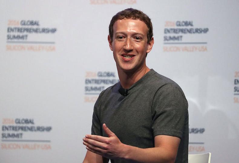 「ソーシャル・インフラ」のトップ、マーク・ザッカーバーグが政治家風な宣言を投稿