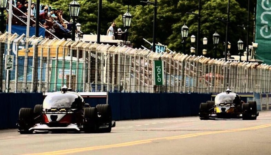 初の自動運転レース「Roborace」クラッシュで幕を閉じる
