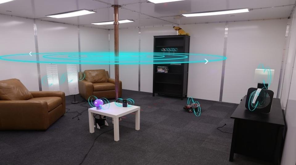 部屋に入った瞬間に自動充電してくれる夢のワイヤレス給電ルーム