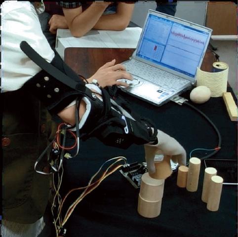 「人工知能を備えた義手」でめざすバリアフリー。脳と機械の融合はもう始まっています03