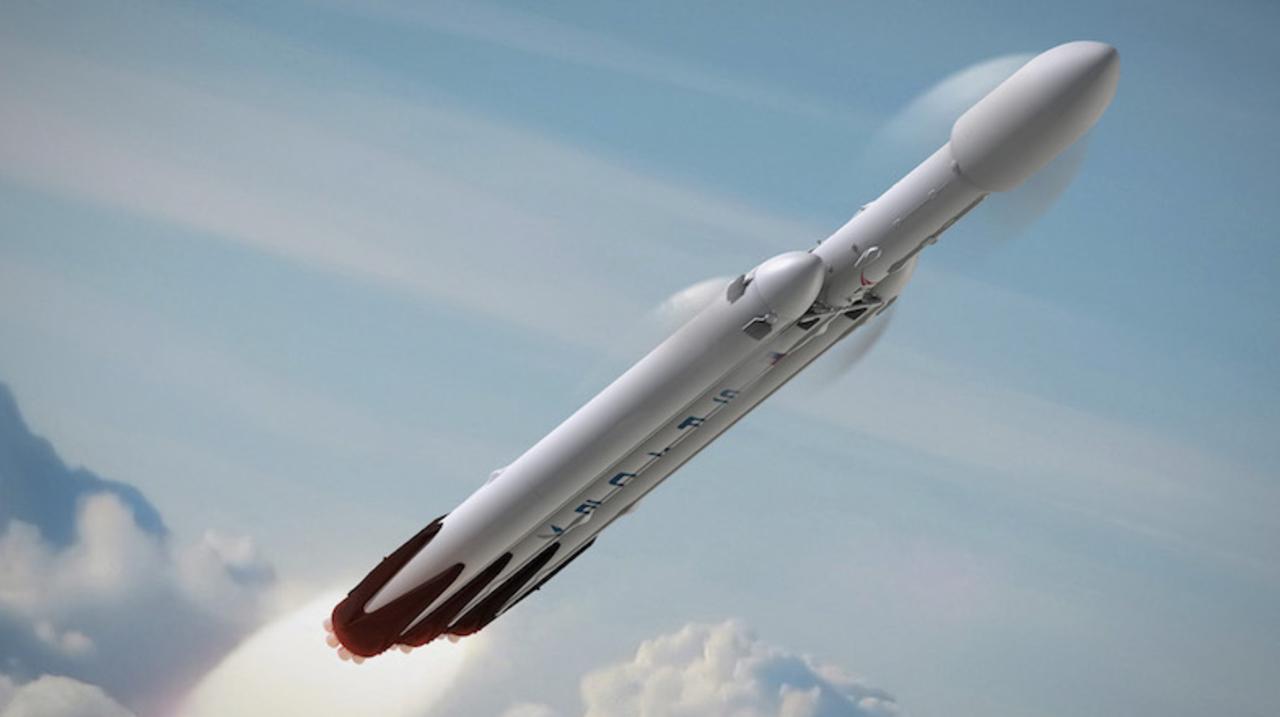 まずは月へ。SpaceXが2018年に2人の乗客を乗せて月周回旅行を実施すると発表