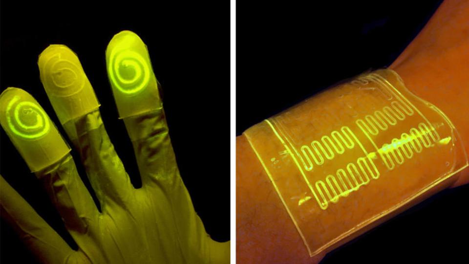 特定の化学物質に触れると光ってお知らせ「生きたバイオ手袋」MITが研究中
