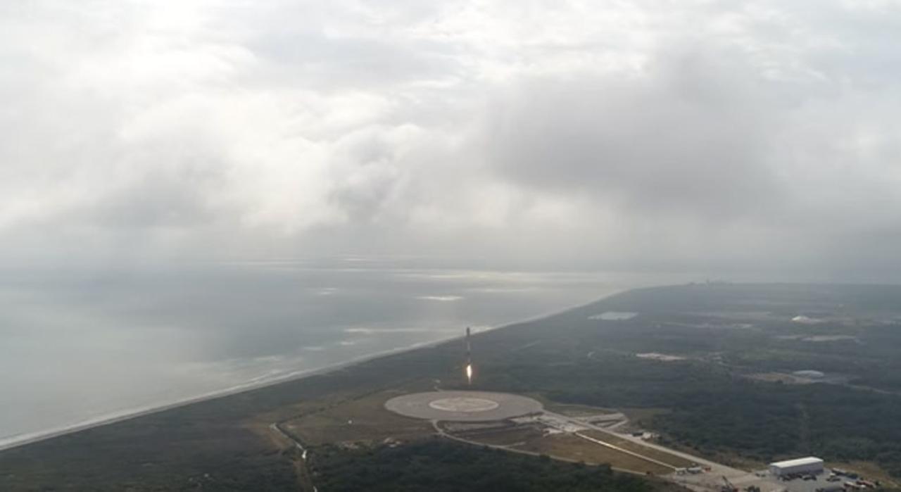 SpaceX、Falcon 9ロケットの打ち上げ成功。見事な着地映像に夢を感じずにはいられない