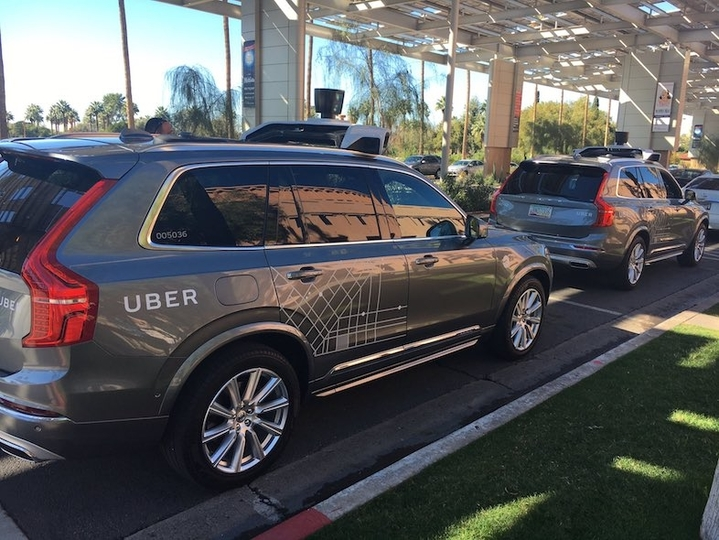Uberの自動運転車がアリゾナ州で営業開始。未来、始まった?