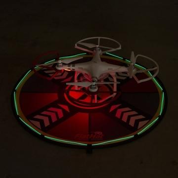 ドローンでミッドナイトランディングを実現する電飾つき離発着用マット