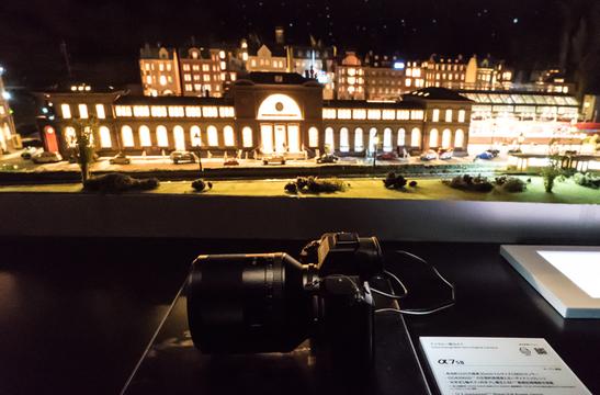 夜の街を走る鉄道の撮影体験ができるソニーブース #CPplus