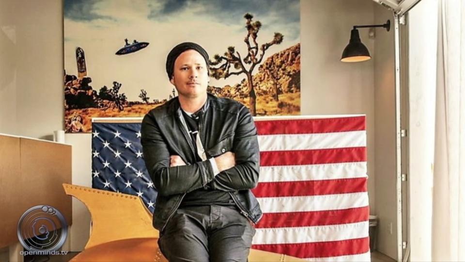 元ブリンク182のトム・デロングが年間最優秀UFO調査者に選ばれる